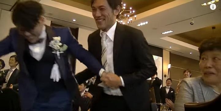新郎サプライズダンス